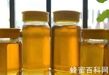 """养蜂人自曝""""天然蜂蜜""""制作黑幕"""